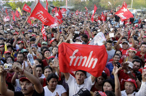 Supporters of presidential candidate Mauricio Funes of the leftist Farabundo Marti National Liberation Front (FMLN) cheer during one of his last campaign rallies before the upcoming elections in La Herradura March 10, 2009. El Salvador will hold its presidential elections on March 15.  REUTERS/Luis Galdamez (EL SALVADOR)