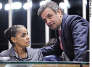 Mesa E/D: Ex-senadora Marina Silva; senador Aécio Neves (PSDB-MG).